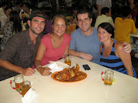 Beers and Chili Crab - Hawker Stall dining with Jon and Hannah - Sinapore