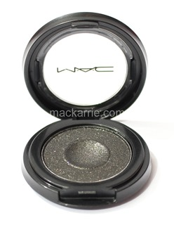 c_WhatsYourFantasyIntoTheWellEyeshadowMAC7