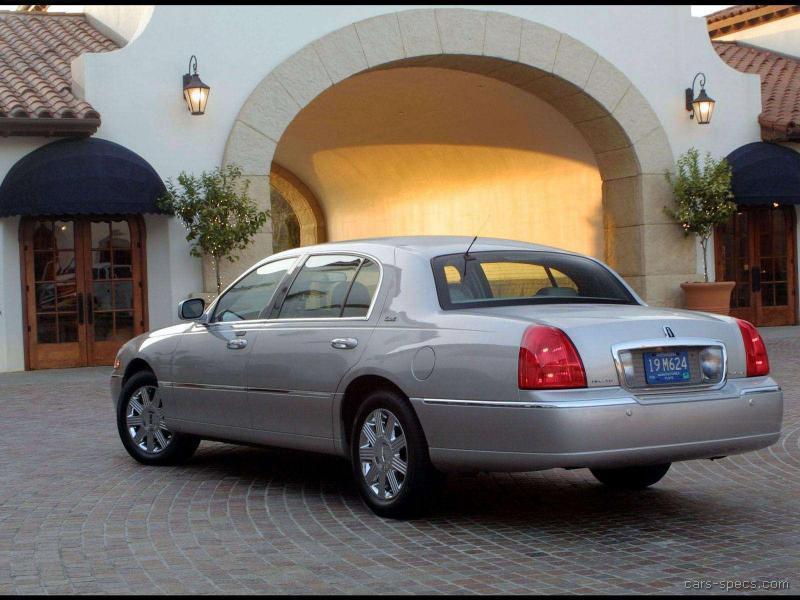 2003 Lincoln Town Car 00005 Jpg
