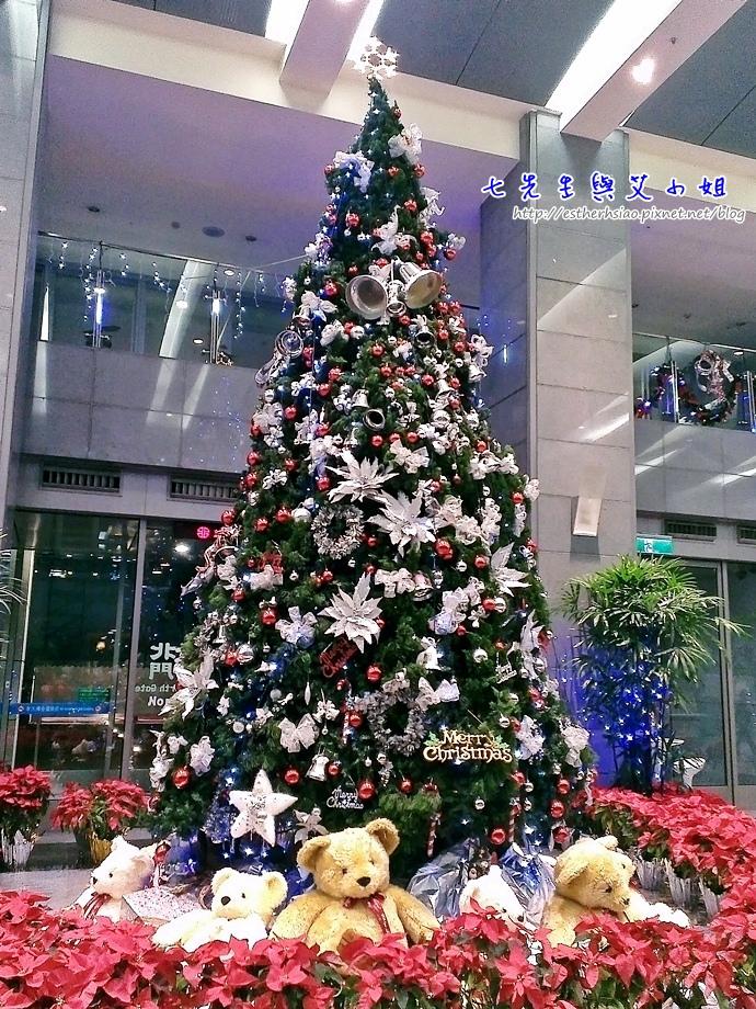 7 大廳聖誕樹