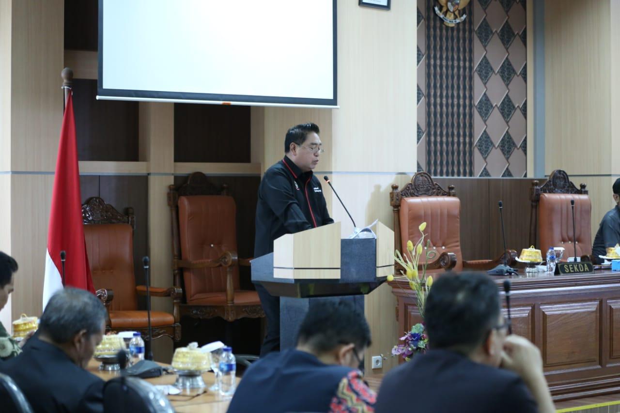 Pemandangan Umum Fraksi-Fraksi DPRD,  Sekprov Atas Nama Gubernur Sampaikan Jawaban