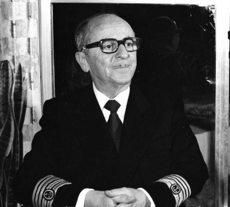 D. Francisco Bellido Morales como capitan de CAMPSA. Foto Familia Bellido Femenia.jpeg