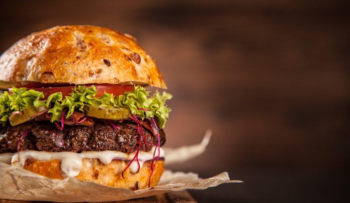 Palmeiron comemora o Dia do Hambúrguer com promoção deliciosa