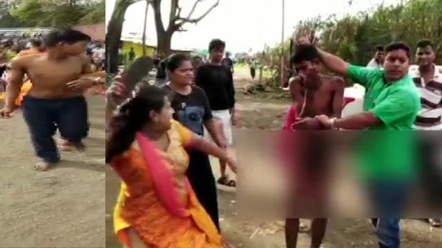 नाबालिग के साथ छेड़खानी के आरोप में गार्ड को लोगों ने पकड़ा और फिर सड़क पर ही कपड़े उतार कर पिटाई