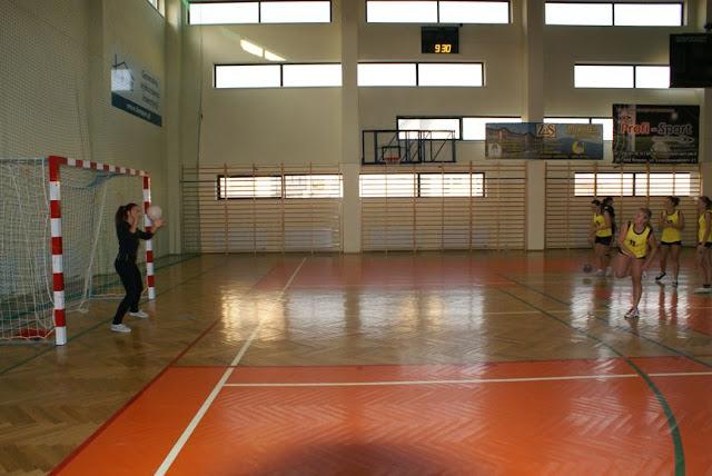 Piłka ręczna zowody listopad 2011 - DSC03669_1.JPG