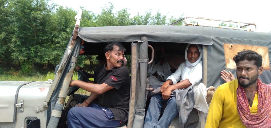 भूमि विवाद में पिता-पुत्र सहित तीन को मारी गोली, एक कि मौत , दो घायल