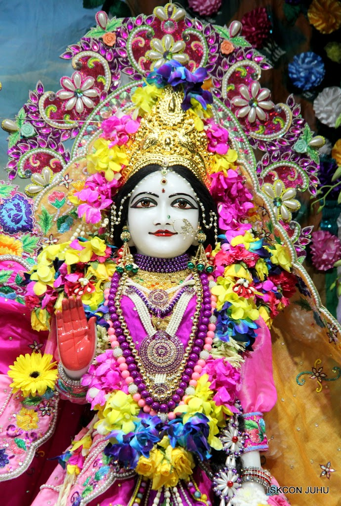 ISKCON Juhu Mangal Deity Darshan on 25th Aug16 (11)