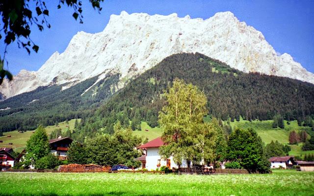 Wandern auf die Zugspitze und zurück übers Gatterl und Ehrwalder Alm Tirol ehrwald