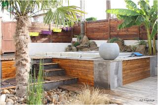 Terrasse en bois comtemporaine autour de Spas