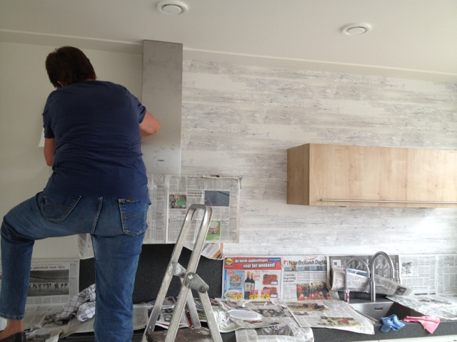 Behangen Keuken : Bouw mee aan ons droomhuis!: Behang in de keuken: de finishing touch!