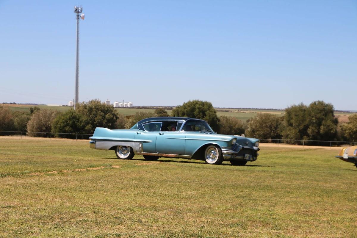Cadillac (09).jpg