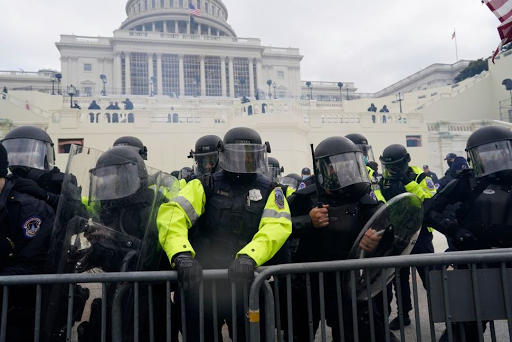 2 Capitol Police Officers Suspended, 1 Arrested Amid Investigation Into Cooperation With Mob