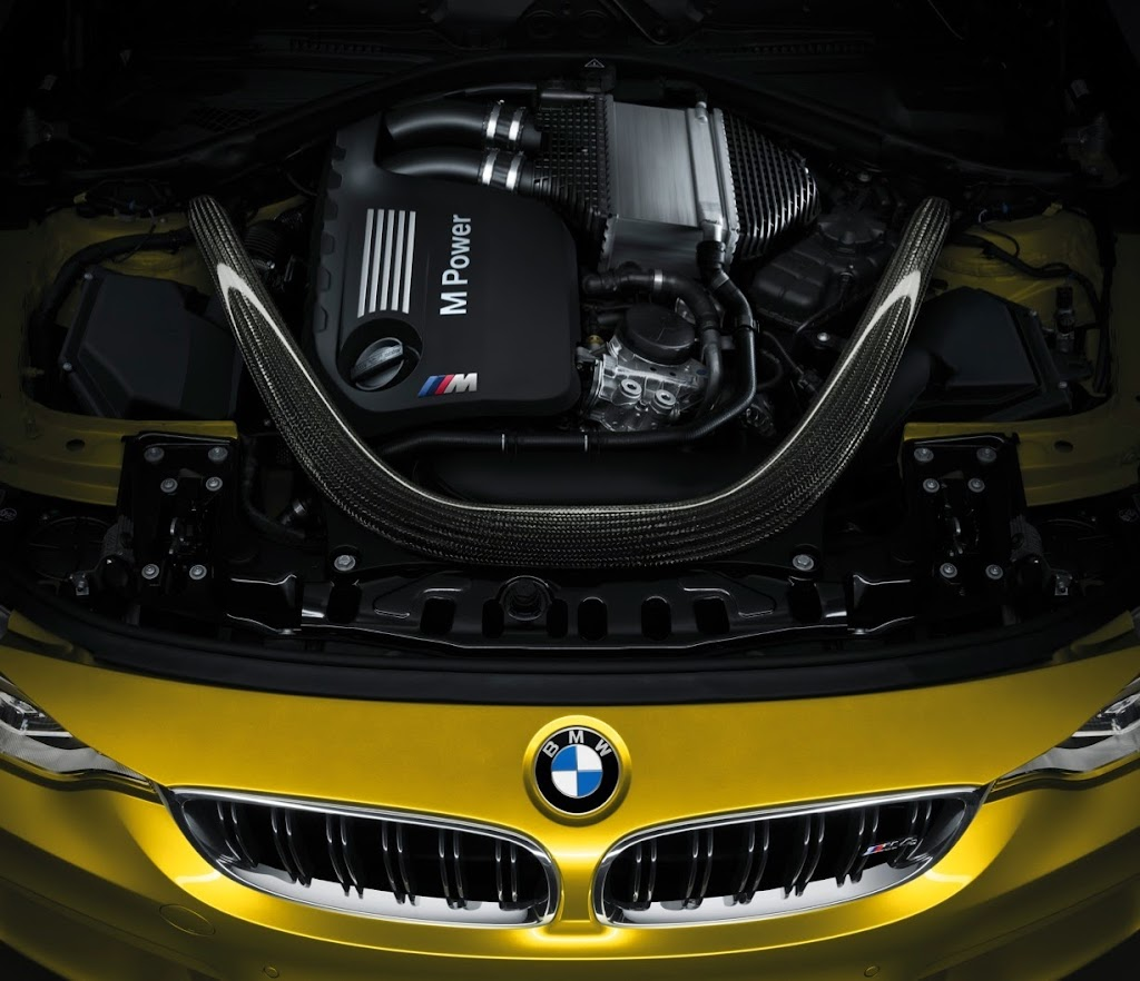 2015 BMW M4 Coupe 34