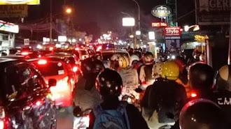 Jalur Puncak Bogor Macet Sabtu Malam