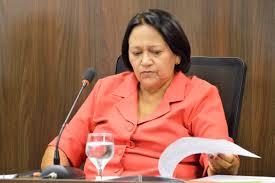 Fátima usa dinheiro que deveria ser repassado aos municípios para pagar servidores, critica deputado