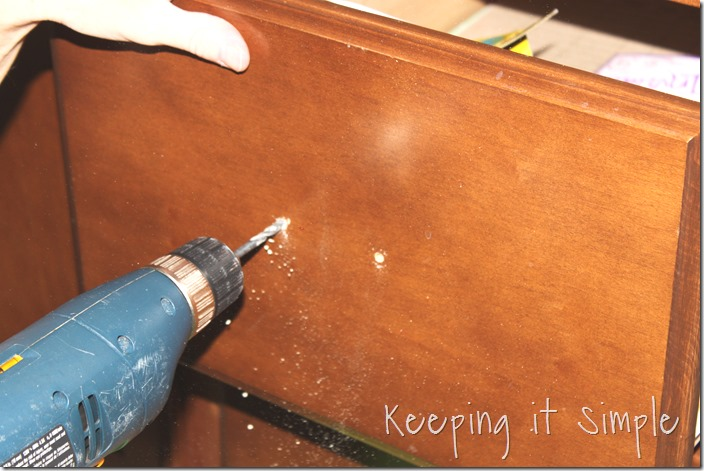 how-to-install-kitchen-cabinet-hardware (14)
