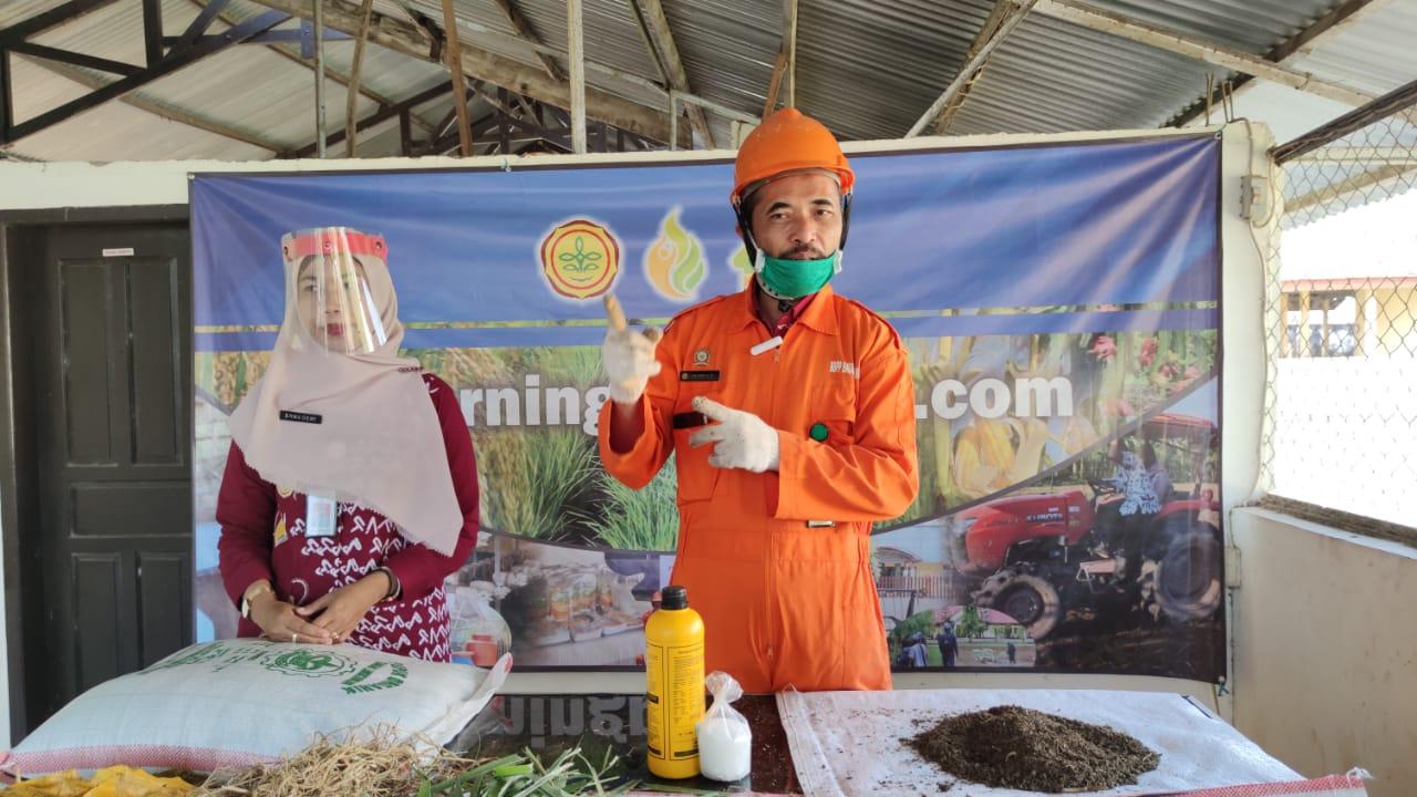 Bertani On Cloud, Puslatan Edukasi Cara Mudah Membuat Pupuk Organik Padat