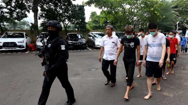 Polisi Ringkus Sepuluh WNA Terlibat Penipuan di Cengkareng