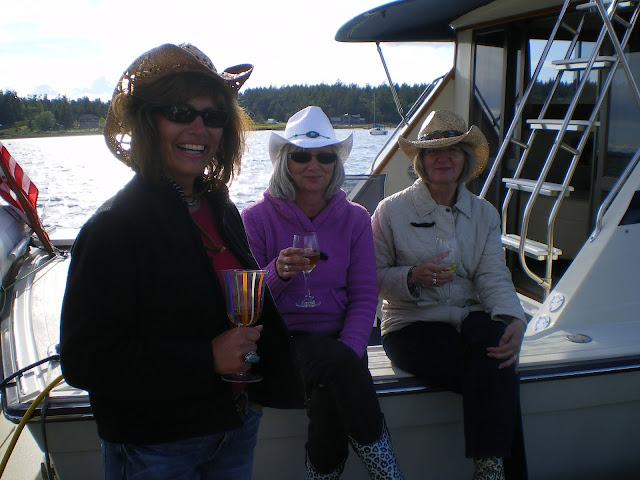 2010 Ladies Cruise - cam%2Bdownload%2B089.JPG