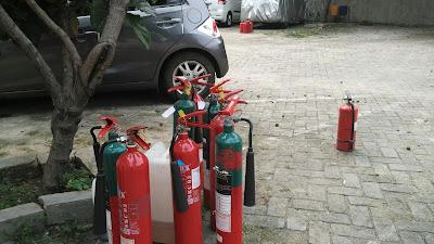Jasa isi ulang alat pemadam api apar