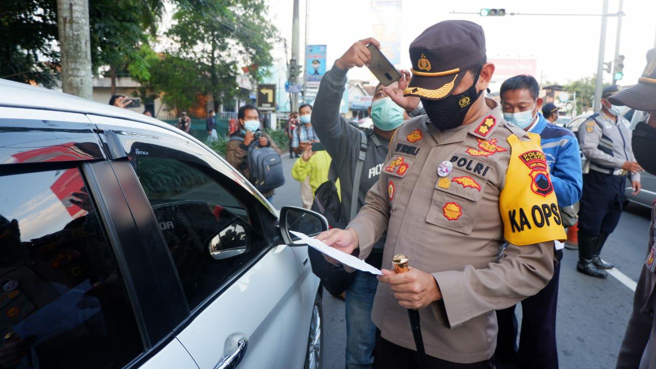 Ops Yustisi Perbatasan Jateng --DIY, Penyekatan Prioritas Kendaraan Plat Luar Daerah Masuk Klaten