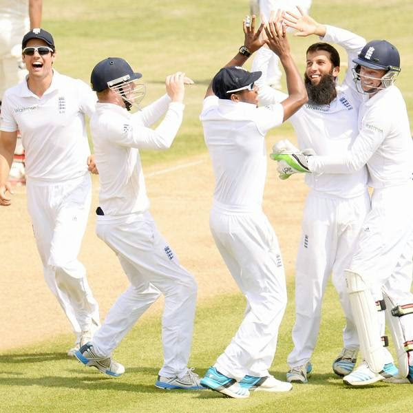 Four of the last six wickets fell to Moeen and three of them - including Ravindra Jadeja - were bowled.