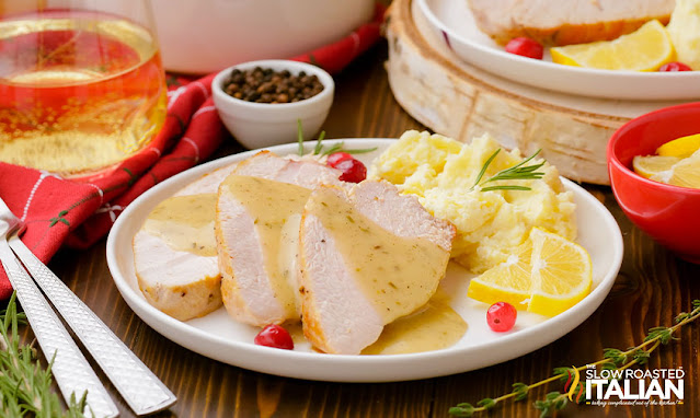 turkey gravy without drippings - poured over turkey