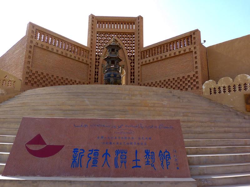 XINJIANG.  Turpan. Ancient city of Jiaohe, Flaming Mountains, Karez, Bezelik Thousand Budda caves - P1270933.JPG
