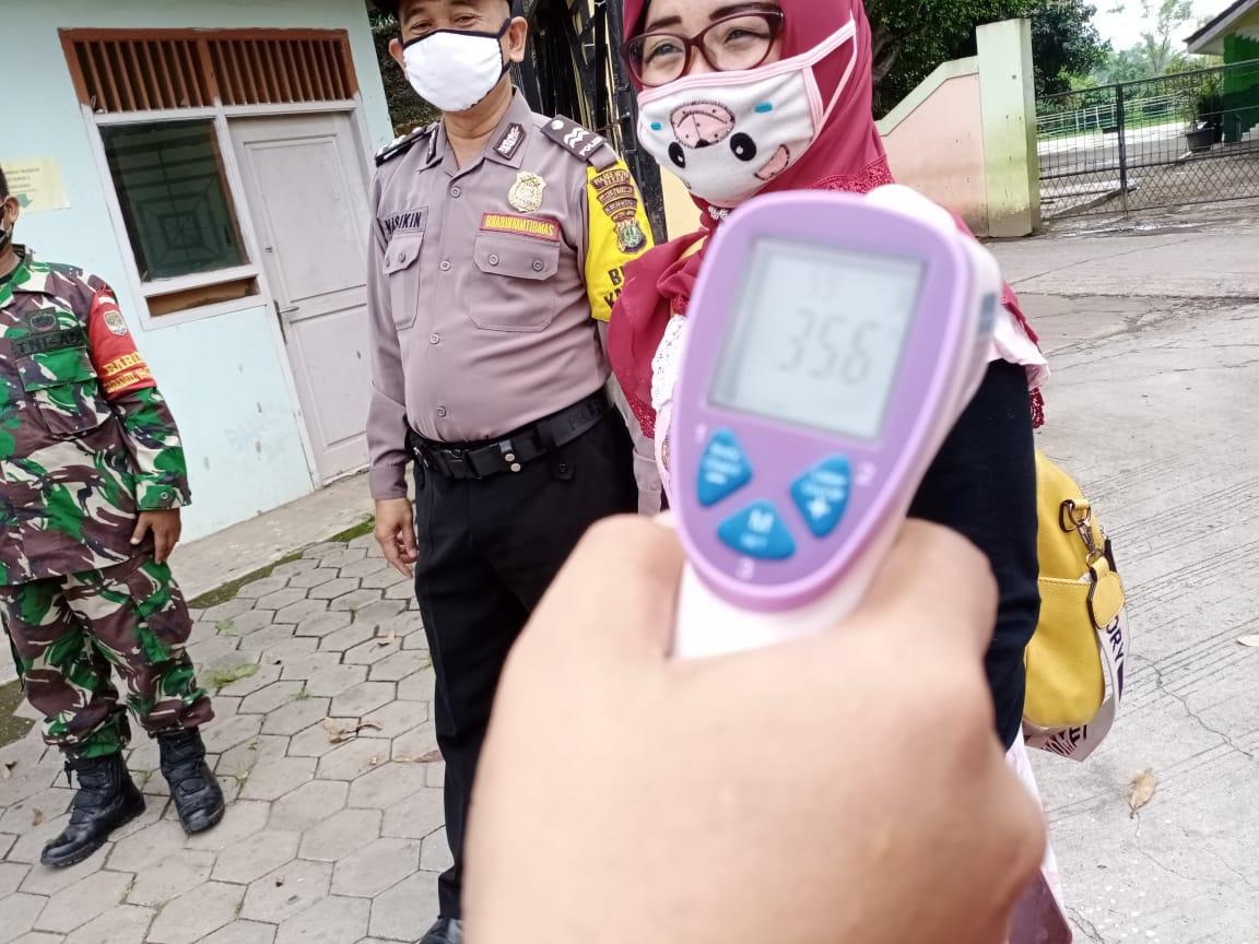 Proses PPDB di SMAN 1 Cibarusah, Polisi dan TNI Berharap Pihak Sekolah Ikuti Aturan Protokol Kesehatan