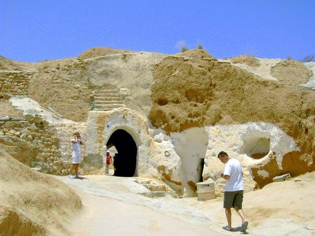 Скрытый в ход в пещеру берберов