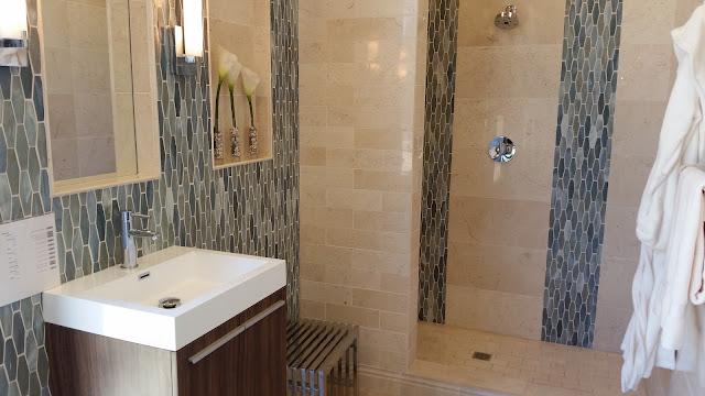 Bathrooms - 20150825_114811.jpg