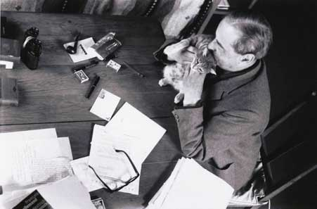 Witold Gombrowicz and a cat