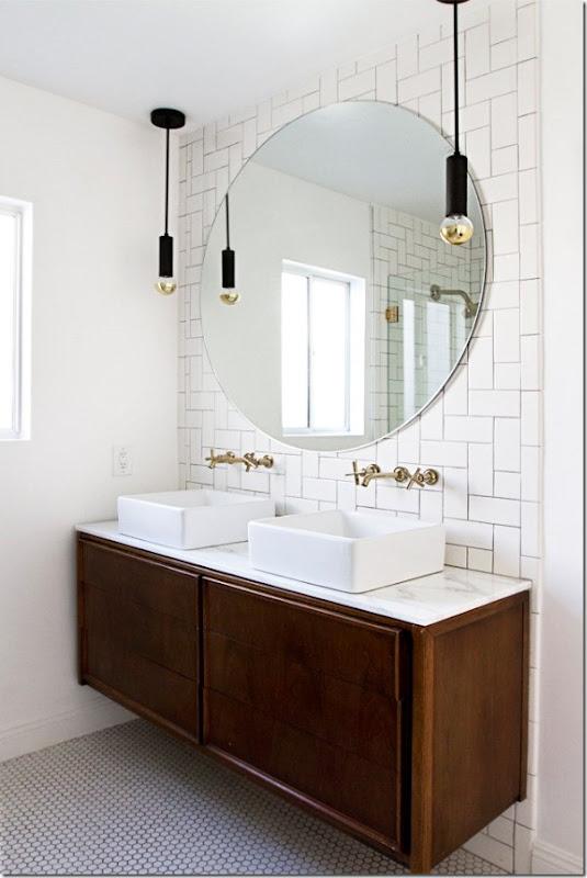 come-inserire-un-mobile-vintage-nell-arredamento-del-bagno (4)