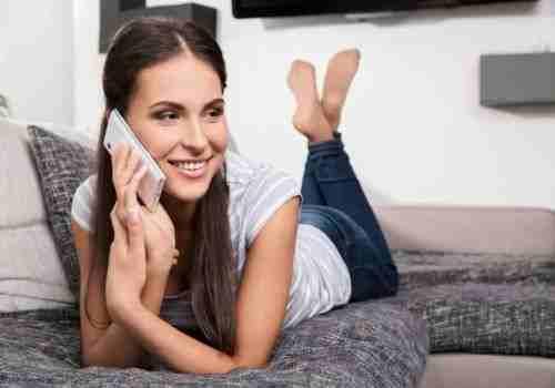 14 Mujer hablando por celular