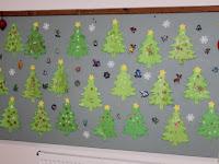 07 - karácosnyi dekoráció a gyermekek alkotásaiból.JPG