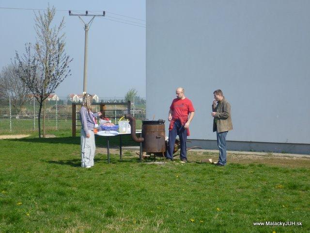 Veľkonočný medzinárodný ZLATÝ futbalový turnaj ČSFA (17.4.2011) - P1020057.JPG