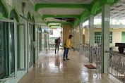 Cegah Penyebaran Virus, Desa Labokong Lakukan Penyemprotan Desinfektan