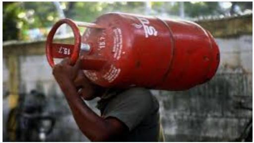 रसोई गैस की कीमतों में राहत, 123 रुपये सस्ता हुआ  सिलेंडर, आज से लागू होगी नई दर