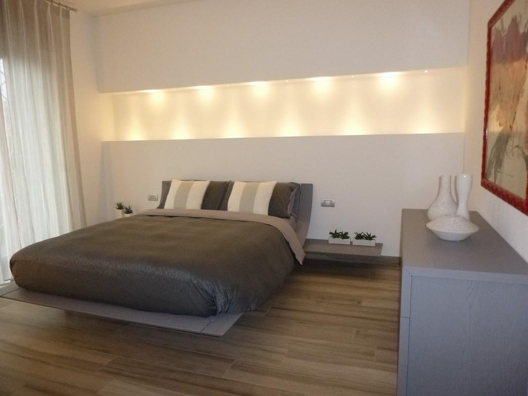 Specchio lungo da parete - Camere da letto in cartongesso ...