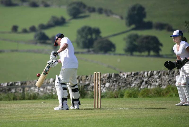 Cricket-Ladies13