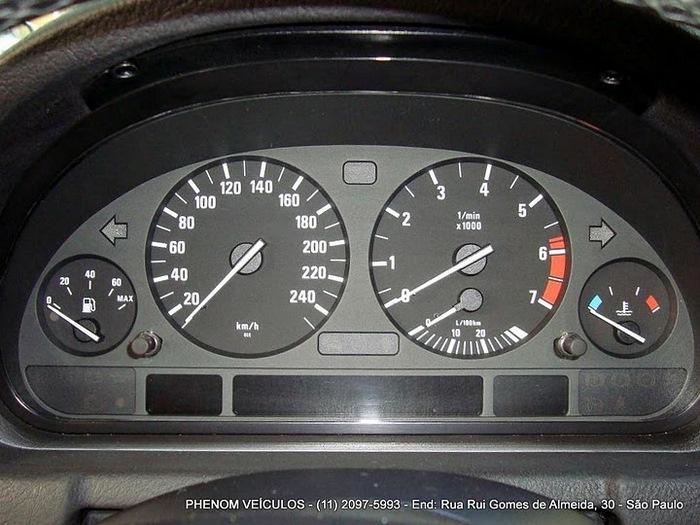 BMW X5 Sport 2002 V-8 4x4 Blidada IIIA - interior painel