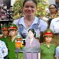 Cộng sản mạnh thua những người phụ nữ yếu