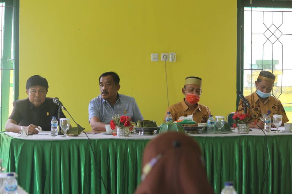 Dinas TPHPKP Terima Kunjungan Ketua dan Komisi II DPRD Sinjai Jajal Kualitas Tembakau di Kabupaten Soppeng