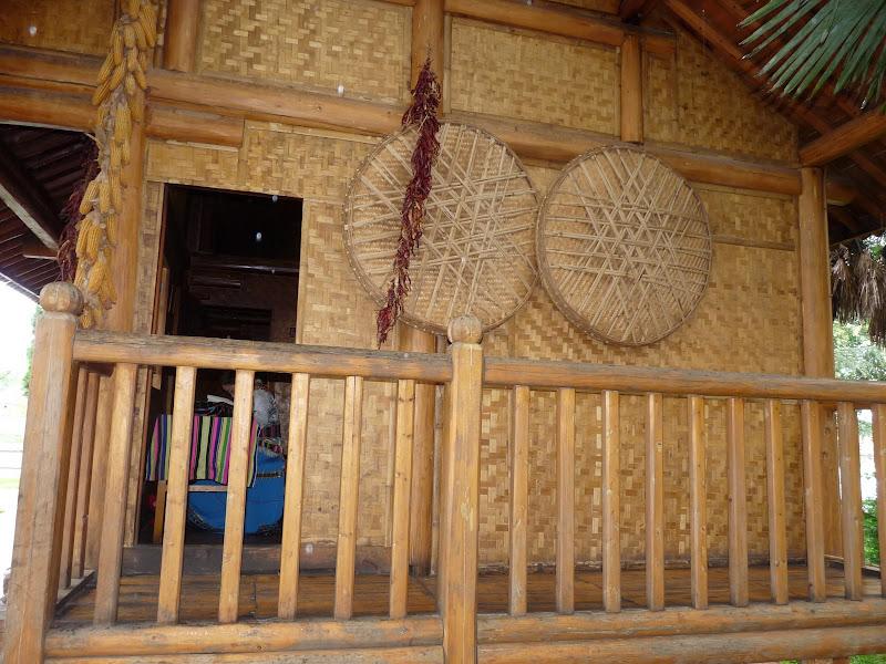 CHINE.YUNNAN.KUN MING Village des minorités 2 - P1270713.JPG