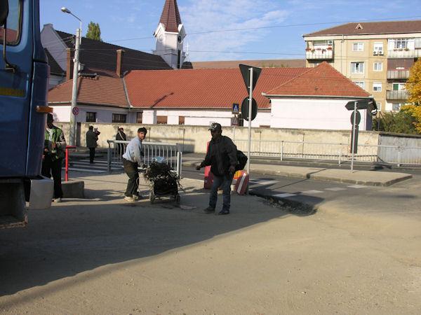 Ţigani culegători de fier vechi în Oradea #1