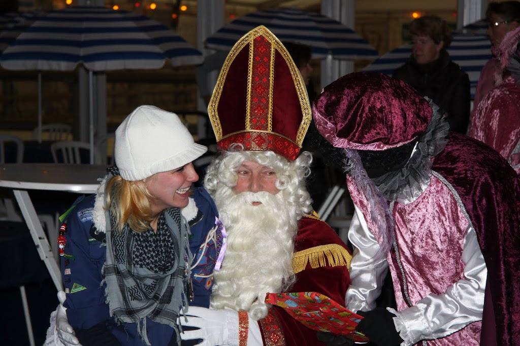 Sinterklaas bij de schaatsbaan - IMG_0420.JPG