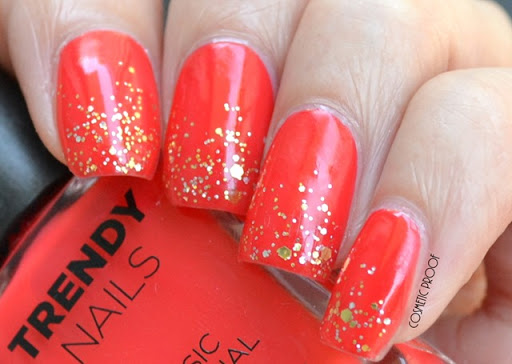 NAILS | Celebrating Canada Day/Week with The Face Shop Nail Polishes in RD301 and GLI027