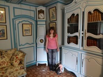 2017.05.15-040 Stéphanie dans la maison de Claude Monet