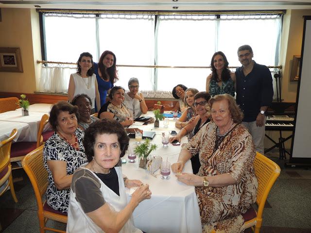 Confraternizacao 2015 - Oficina 4 Danielle Pimentel, Juliana Lauria, Dra. Tania Guerreiro e Dr. Ricardo Martins (em pe)
