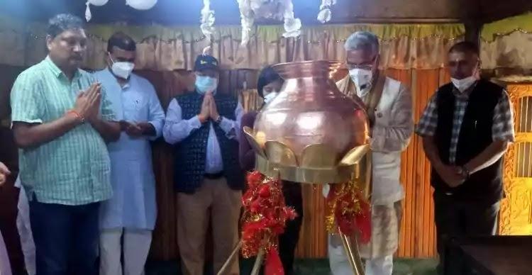 Uttarakhand News: त्रिवेंद्र ने की विश्वनाथ मंदिर में पूजा-अर्चना